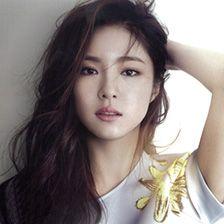 Essentiel meets Shin Se Kyung