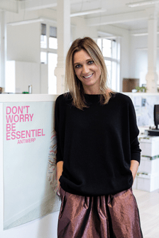 What Essentiel wears - Julie Van Eccelpoel
