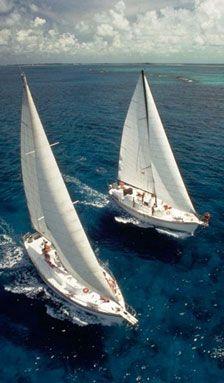 Men travel: Yacht